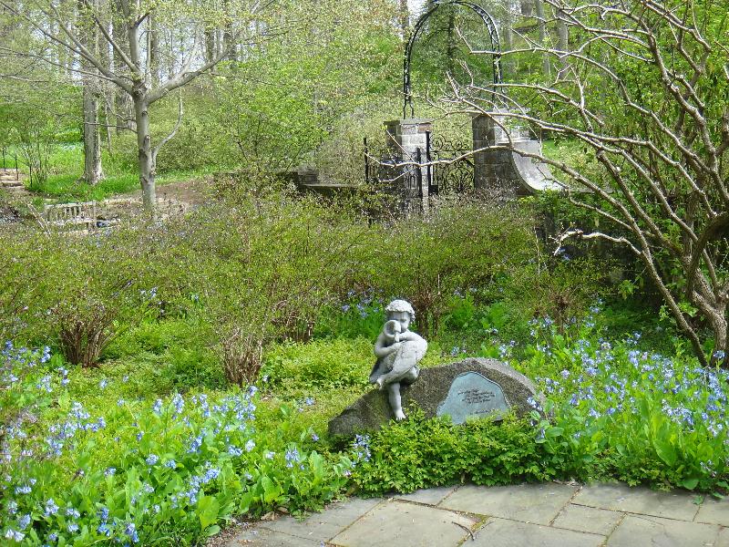 lower-rp-gdn-04-24-2013-march-bank-sundial-garden-kls-056